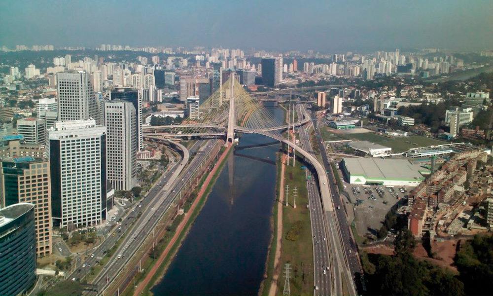 Resultado de imagem para Rio Pinheiros Sao Paulo